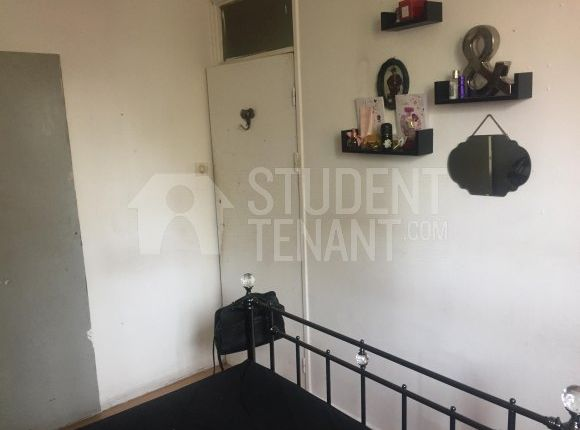 Thumbnail Shared accommodation to rent in Hazel Grove, London, Greater London