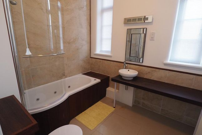 Bathroom of St Vincents Court, 36 Queens Road, Hull HU5