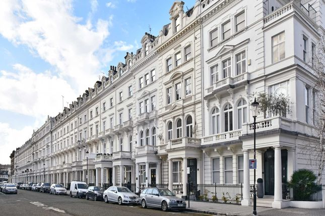 Thumbnail Flat for sale in Queen's Gate Terrace, London