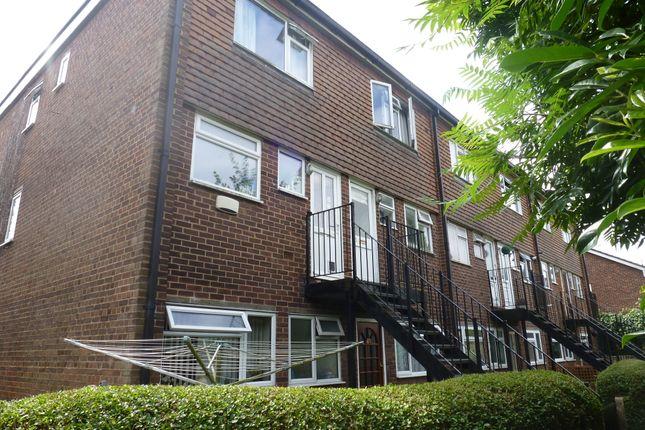 Thumbnail Maisonette to rent in Weydon Lane, Farnham