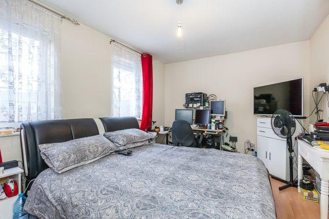 Bedroom of Dean Close, London E9