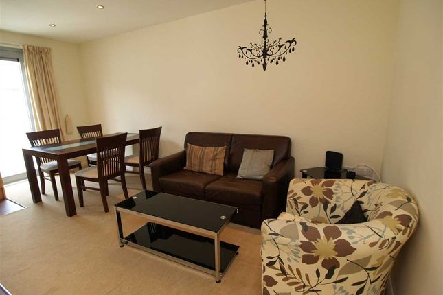 Thumbnail Flat to rent in North Street, Plymouth
