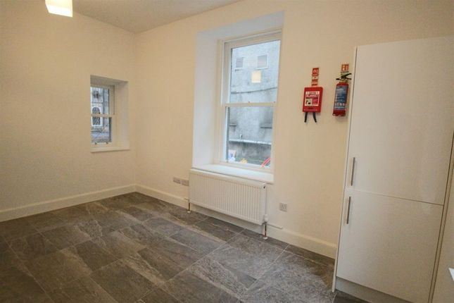 Thumbnail Flat to rent in 0/1 226 Sauchiehall Lane, Lower Mews, Glasgow