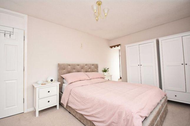 Picture 5 of Oakridge, Basingstoke RG21
