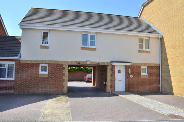 2 bed flat to rent in Sartoris Close, Warsash