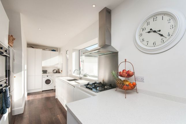 Thumbnail Detached house for sale in Sunview Avenue, Peacehaven
