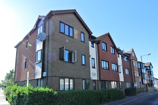 Thumbnail Flat for sale in High Street, Addlestone
