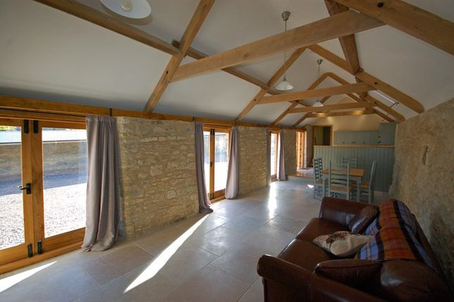 Thumbnail Barn conversion to rent in Hanging Hill, Wick, Bristol