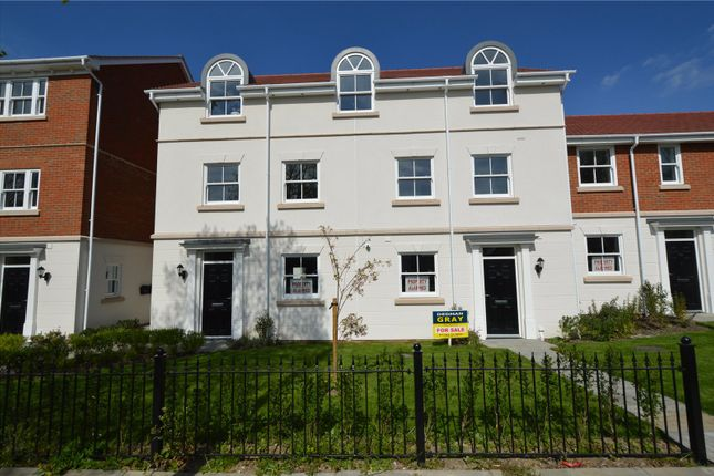 Thumbnail Flat for sale in Acacia Drive, Southend-On-Sea, Essex