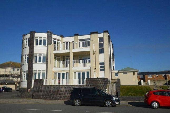 2 bed flat to rent in Corbett Avenue, Tywyn, Gwynedd LL36