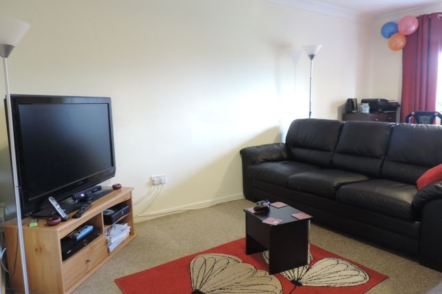 Thumbnail Flat to rent in Bowmont Square, Bicester