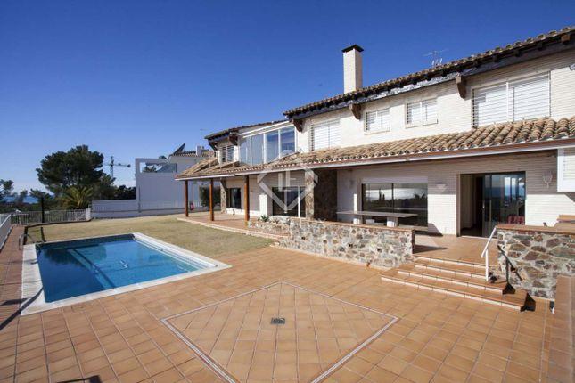 Thumbnail Villa for sale in Spain, Sitges, Vallpineda / Santa Barbara, Sit5104