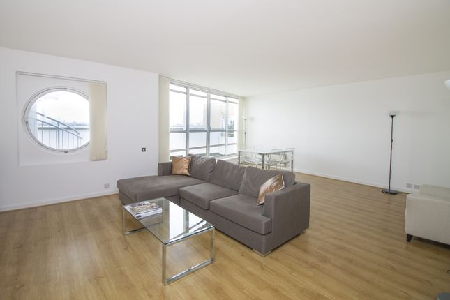 Thumbnail Flat to rent in Anchorage Point, Cuba Street, Canary Wharf