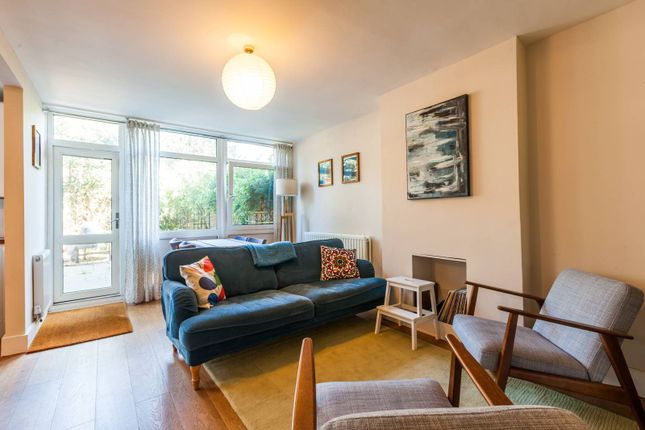 Thumbnail Property to rent in Kirton Gardens, Shoreditch