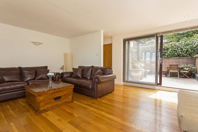 Thumbnail End terrace house for sale in Hill Gate Walk, Highgate