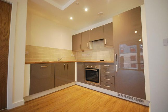 2 bed flat to rent in Leaf Street, Hulme, Manchester M15
