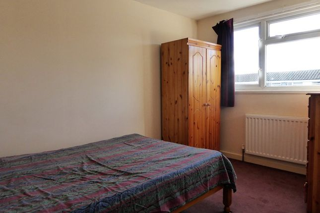Thumbnail Room to rent in Edgehill Close, Basingstoke