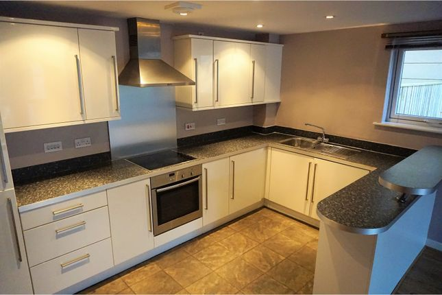 2 bed flat to rent in Glaisdale Court, Darlington