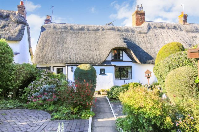 Thumbnail Cottage for sale in The Heath, Dunchurch, Rugby