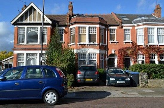 Thumbnail Flat to rent in Cobham Road, London