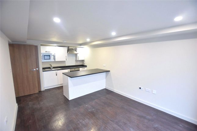2 bed flat to rent in Miflats, High Street, Bracknell, Berkshire