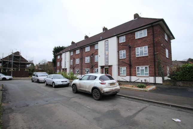 Thumbnail Flat to rent in Wood Gardens, Alderley Edge