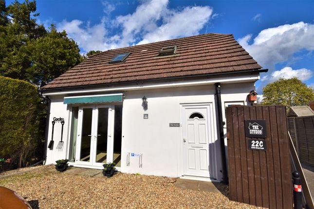 1 bed detached house to rent in Little Green Lane, Wrecclesham, Farnham GU9