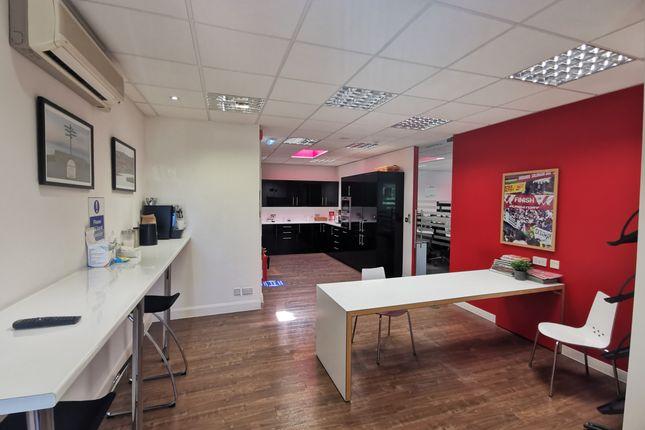 Ffbreakout of Unit 29, Barwell Business Park, Chessington KT9