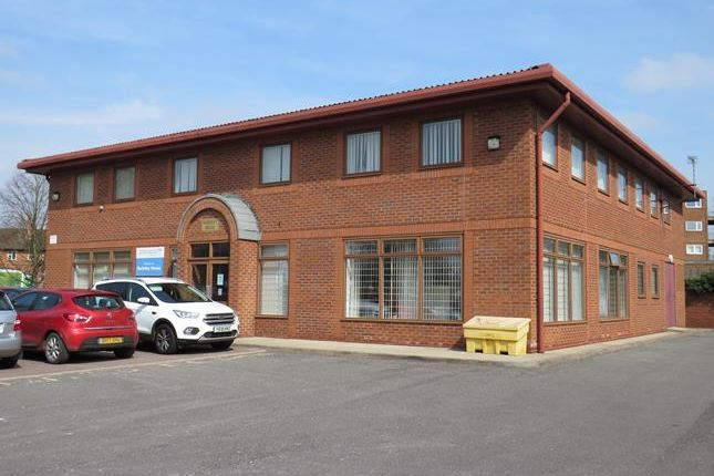 Thumbnail Office to let in Berkeley House, Haldenby House, & Kelfield House, Berkeley Business Centre, Doncaster Road, Scunthorpe, North Lincolnshire
