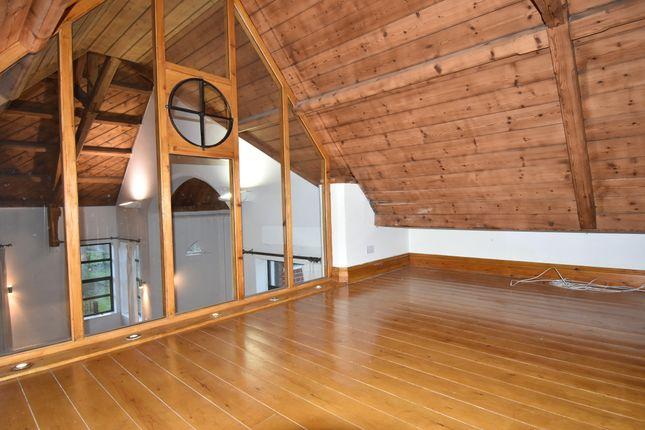 Mezzanine Overlooking Living Area