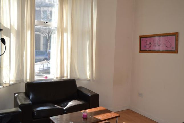 Thumbnail Flat to rent in Connaught Road, Cardiff