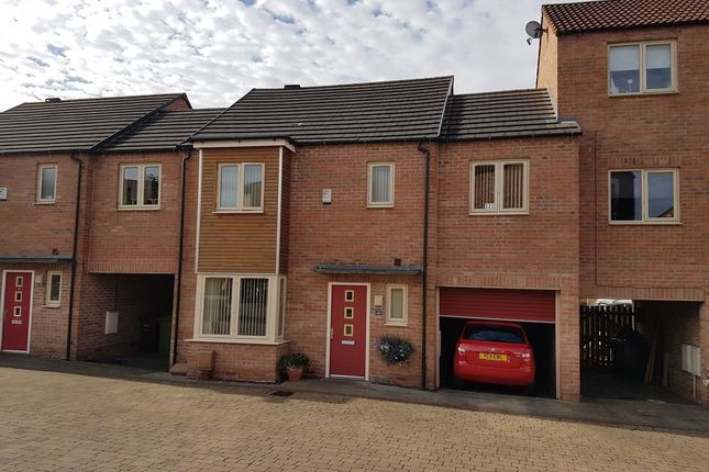 Thumbnail Town house to rent in Lidgett Square, Allerton Bywater, Castleford