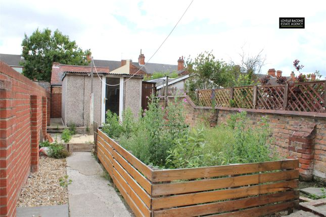 Picture No. 08 of Peaksfield Avenue, Grimsby DN32