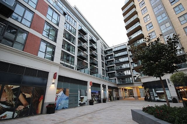 Thumbnail Flat to rent in Belgravia House, Dickens Yard, Longfield Avenue, London