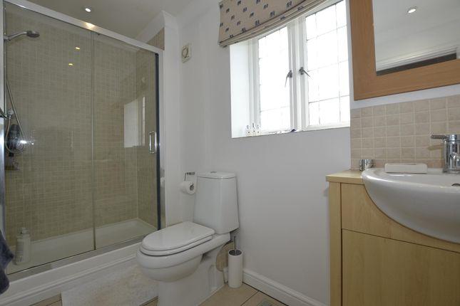 En-Suite of Holmwood Gardens, Bristol BS9