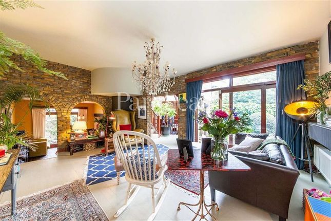 Thumbnail Property to rent in Wavel Mews, South Hampstead, London