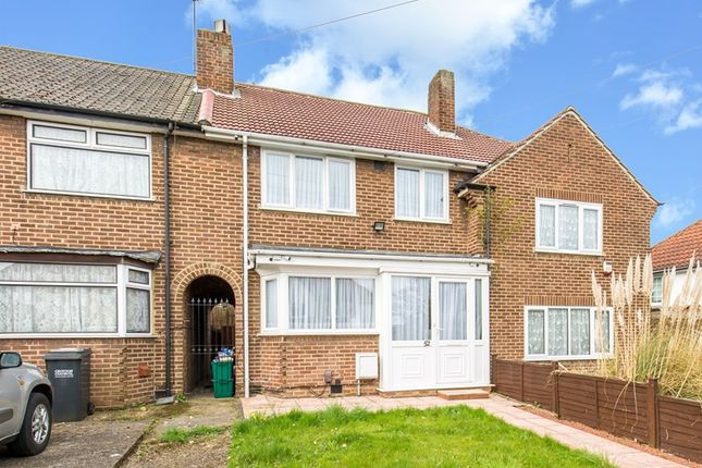 3 bed property for sale in Salcot Crescent, New Addington, Croydon