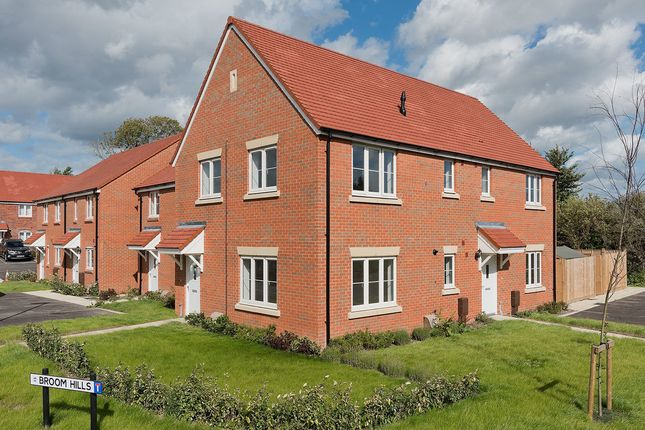 Thumbnail Flat for sale in Meadow Way, Tangmere