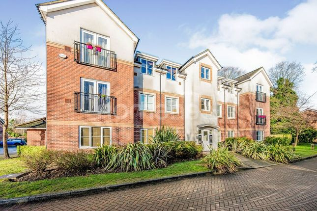 2 bed flat to rent in Kingswood Close, Camberley GU15