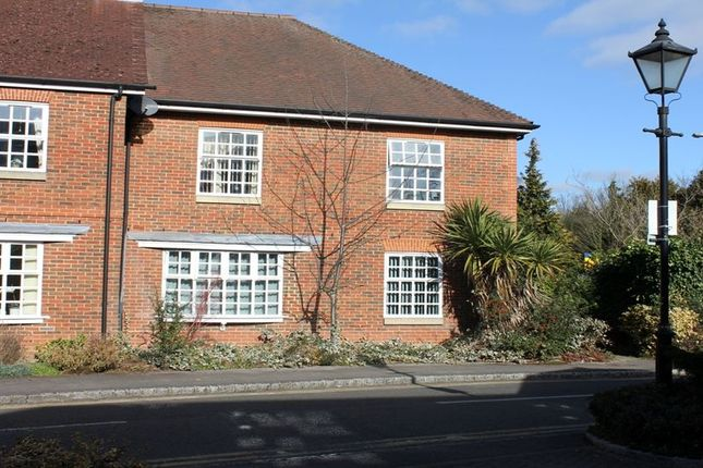 Thumbnail Flat to rent in Crossways, Beaconsfield