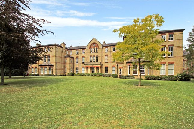 Thumbnail Flat for sale in Leavesden Court, Mallard Road, Abbots Langley, Hertfordshire