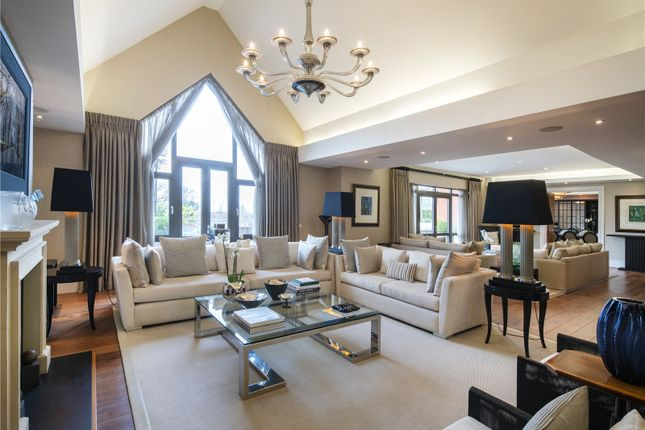 Thumbnail Flat to rent in Allingham Court, 44 The Bishops Avenue, London