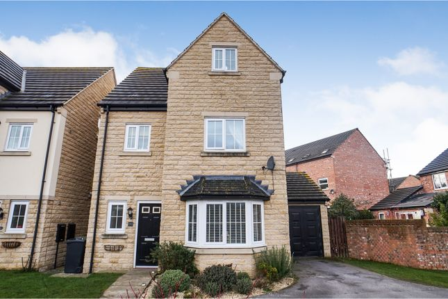 Thumbnail Detached house for sale in Calder View, Mirfield