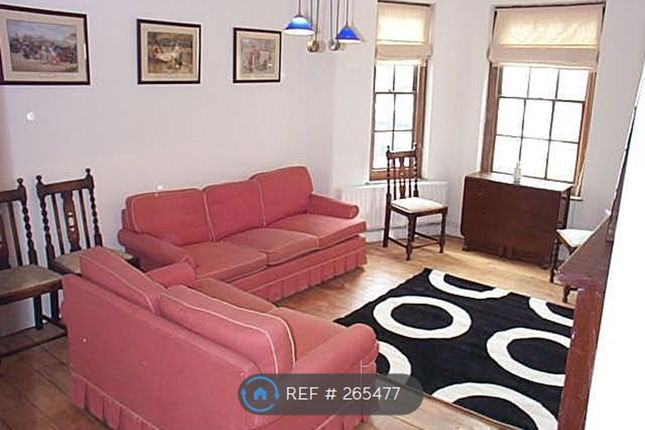 3 bed flat to rent in Kennington Oval, London