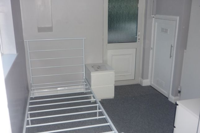 Studio to rent in Rockingham Road, Corby NN17