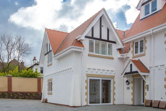 1 bed flat to rent in The Retreat, The Chantry, Llandaff