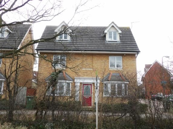 Thumbnail Detached house for sale in High Road North, Laindon, Basildon
