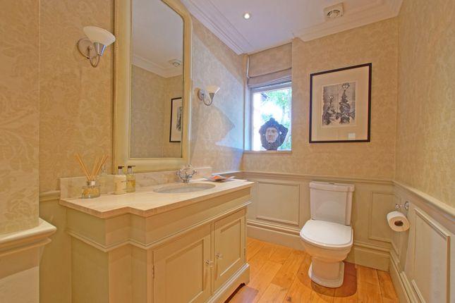 Guest Cloakroom of Mearse Lane, Barnt Green, Birmingham B45