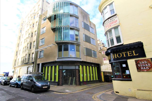 2 bed flat for sale in Middle Street, Brighton BN1