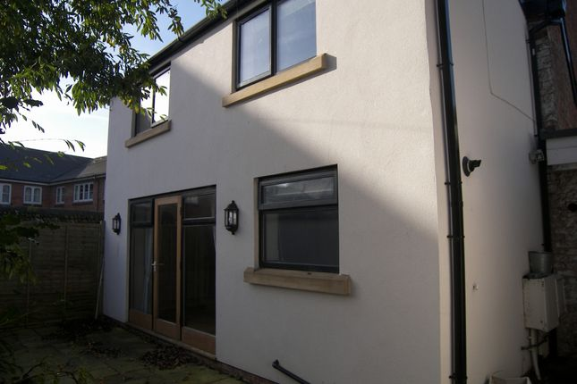 Thumbnail Cottage to rent in Market Square, Lytham St. Annes